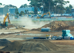 VAK Beroun dokončuje druhou etapu obnovy ocelového přivaděče pod tělesem dálnice D5
